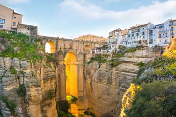 Ronda, Hiszpania stare miasto lato pejzaż na wąwozie Tajo.