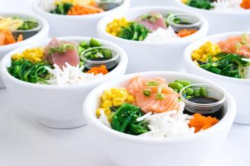 Poké bowl, sushi bowl