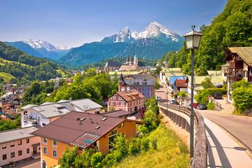 Miasto Berchtesgaden i alpejski krajobraz