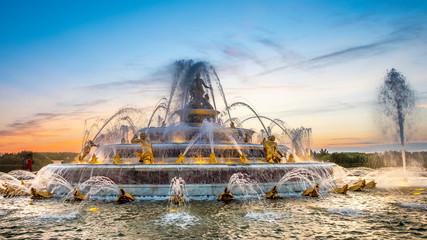 Wersalskie ogrody z fontanną Latona