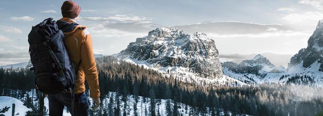 Wander in Winterlandschaft