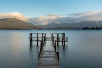 Zmierzchu widok Jeziorny Te Anau, Nowa Zelandia