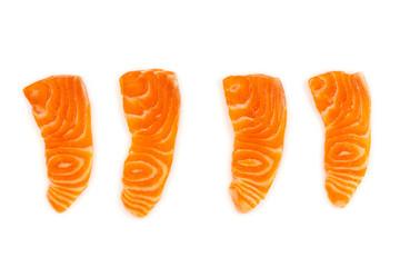 Łososiowy surowy sashimi odizolowywający na białym tle