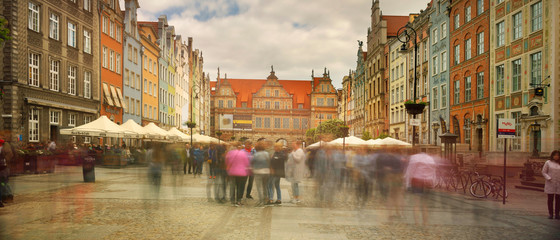Stone streets and tourists Gdansk