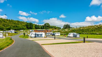 Red Kite Campsite, Llanidloes, Walia. Kemping dla przyczep kempingowych, samochodów kempingowych i kamperów zwiedzających środkową Walię w Wielkiej Brytanii