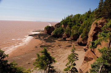 Canada, New Brunswick, Hopewell Cape, Bay of Fundy. Hopewell Rocks at low tide. Big Cove Lookout.