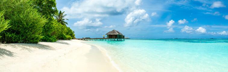 Piękna piaszczysta plaża, wyspa Malediwy