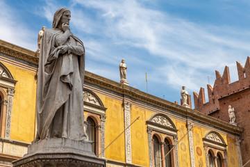 Statue of the great poet Dante Alighieri