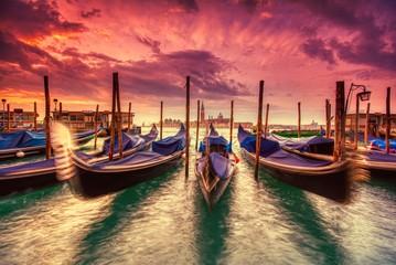Gondole cumować świętego Mark kwadratem, Wenecja, Włochy, Europa.