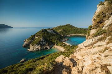Porto Timoni to niesamowita piękna podwójna plaża na Korfu w Grecji