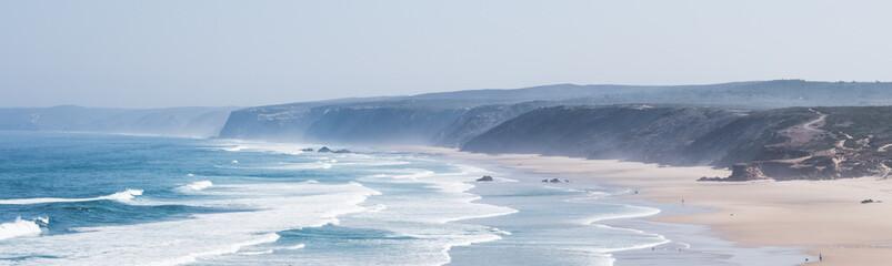 Widok na ocean, idealne miejsce na podróż i wakacje