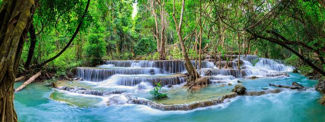 Huai Mae Khamin Waterfall poziom 6, Khuean Srinagarindra National Park, Kanchanaburi, Tajlandia