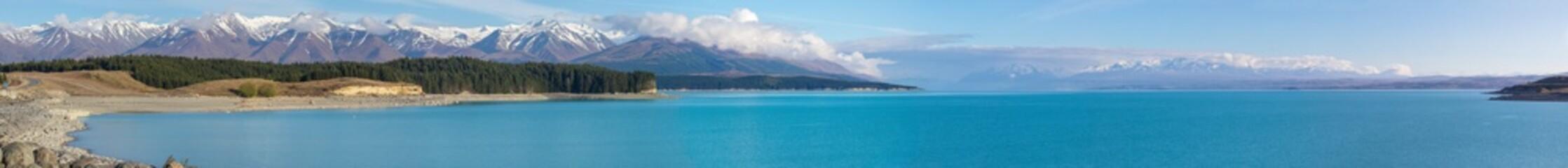 Scenic turquoise Lake Pukaki and Southern Alps panorama, New Zealand