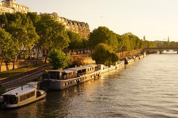 Paris Monument 531