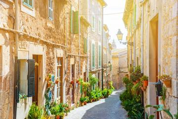 Ulica Valldemossa stara śródziemnomorska wioska, punkt zwrotny Majorca, Hiszpania wyspa