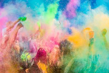 Festiwal Kolorów Holi. Indyjskie święto z kolorowym pudrem, Polska