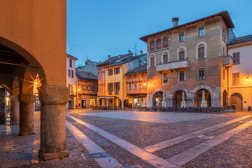 Como - The square Piazza San Fedele and square at dusk.