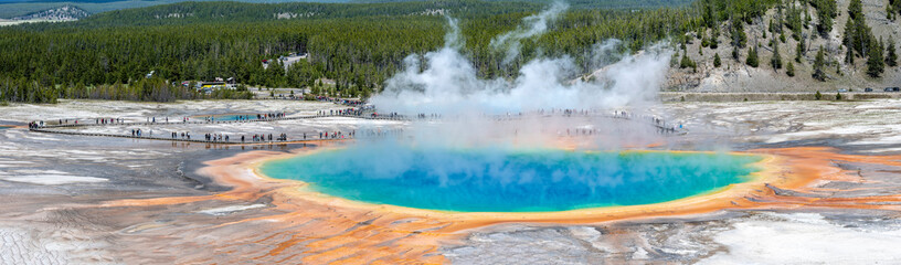 Geysir in the grand prismatic spring area in the Yellowstone National Park.
