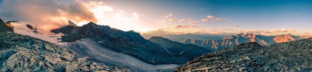 italy alps awesome cloudy sunset view