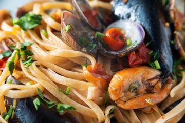 Linguine allo scoglio, Cucina Italiana