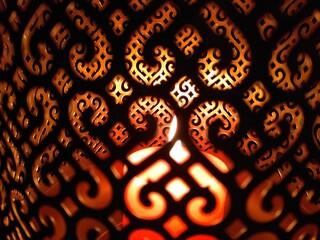 Lampion ze świecą w środku