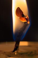 Knot w płomieniu