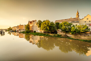 Opole Stare Miasto i Opolska Wenecja wieczorem