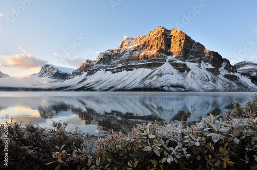 Bow Lake sunrise, Park Narodowy Banff