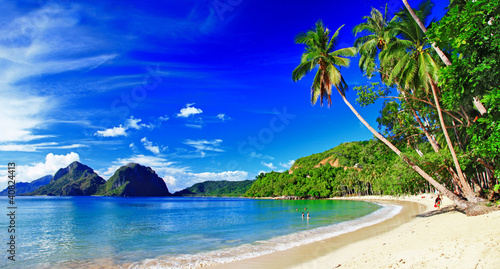 panoramiczne piękne krajobrazy plaży - El-nido, palawan