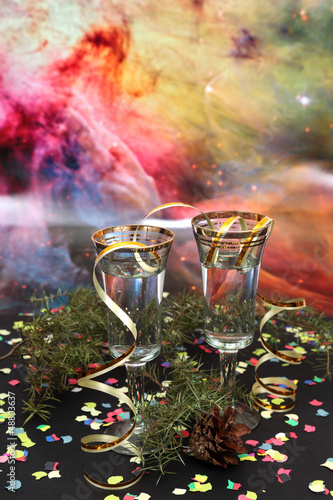Kieliszki na szampan w karnawale