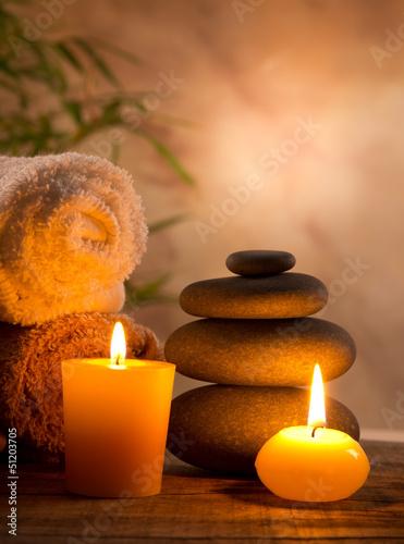 Spa martwa natura z aromatycznymi świecami