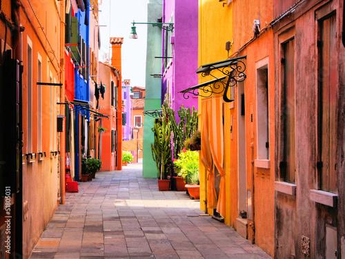Kolorowa ulica w Burano, blisko Wenecja, Włochy