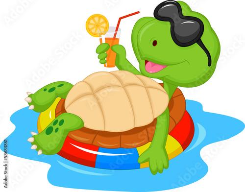 Ładny żółw kreskówka na nadmuchiwane rundy