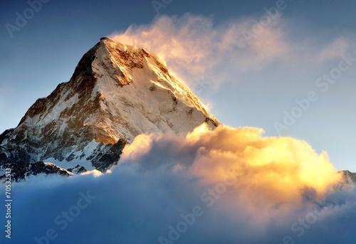 Wschód słońca w paśmie gór Annapurna, Machapuchare