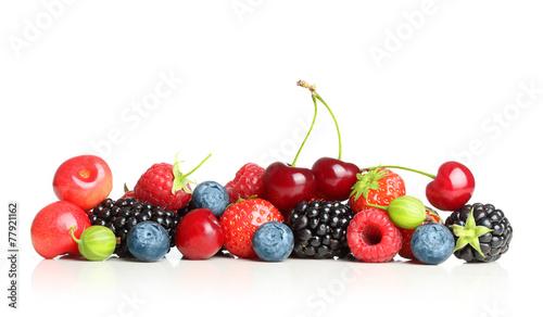 Różny typ jagodowe owoc odizolowywać