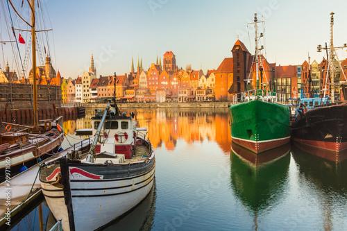 Poranna sceneria gdańskiego starego miasta w Polsce