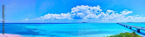 宮古島 池間島から見た池間大橋と大神島