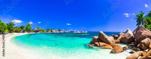 niesamowite tropikalne wakacje w rajskich plażach Seszeli, Praslin