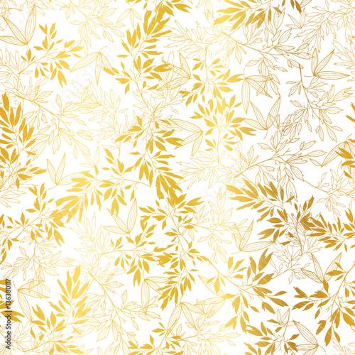 Wektor złoto na białe liście azjatyckie bezszwowe tło wzór. Idealne na tropikalne wakacje, tkaniny, kartki, zaproszenia ślubne, tapety.