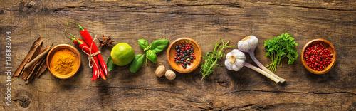 Różne zioła i przyprawy