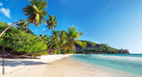 Niesamowity tropikalny raj Anse Takamaka na Seszelach.