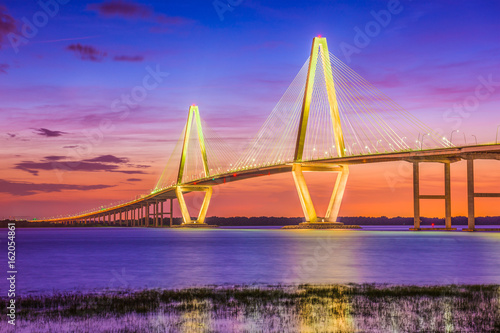 Charleston, Karolina Południowa, USA Most nad rzeką Cooper.