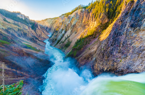 Brink of the Lower Falls, Wielki Kanion Yellowstone