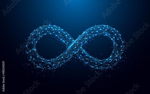 Ikona nieskończoności z linii i trójkątów, punkt połączenia sieci na niebieskim tle. Wektor