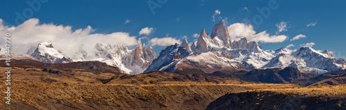 Panorama górska Fitz Roy, w południowej Patagonii, na granicy Argentyny i Chile