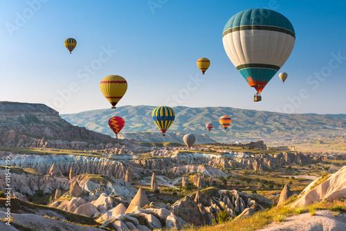 Balony na ogrzane powietrze latające nad Kapadocją, Turcja
