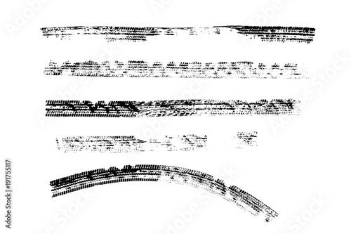 Czarny opona ocen wzór odizolowywa na białym tle z ścinek ścieżką, pali i pęka opony teksturę dla graficznego projekta.