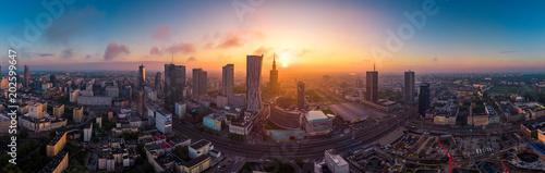 Warszawa z lotu ptaka o poranku