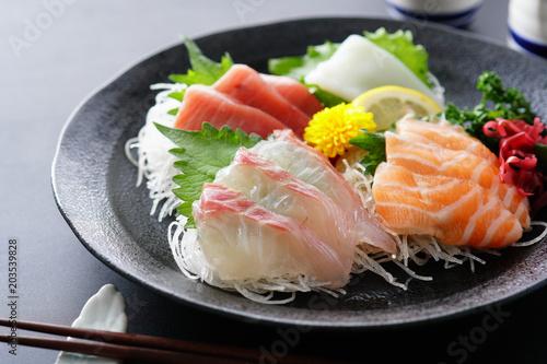 Różne sashimi
