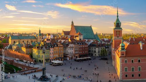 Warszawa, Zamek Królewski i Stare Miasto o zachodzie słońca